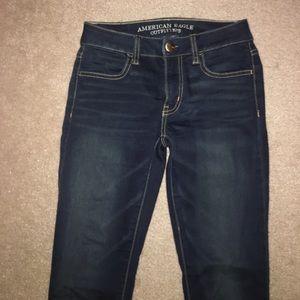 dark wash american eagle skinny jeans (jeggings)